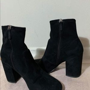 STEVE MADDENS Ankle sock booties 9.5